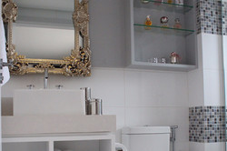 Banheiro com toque clássico