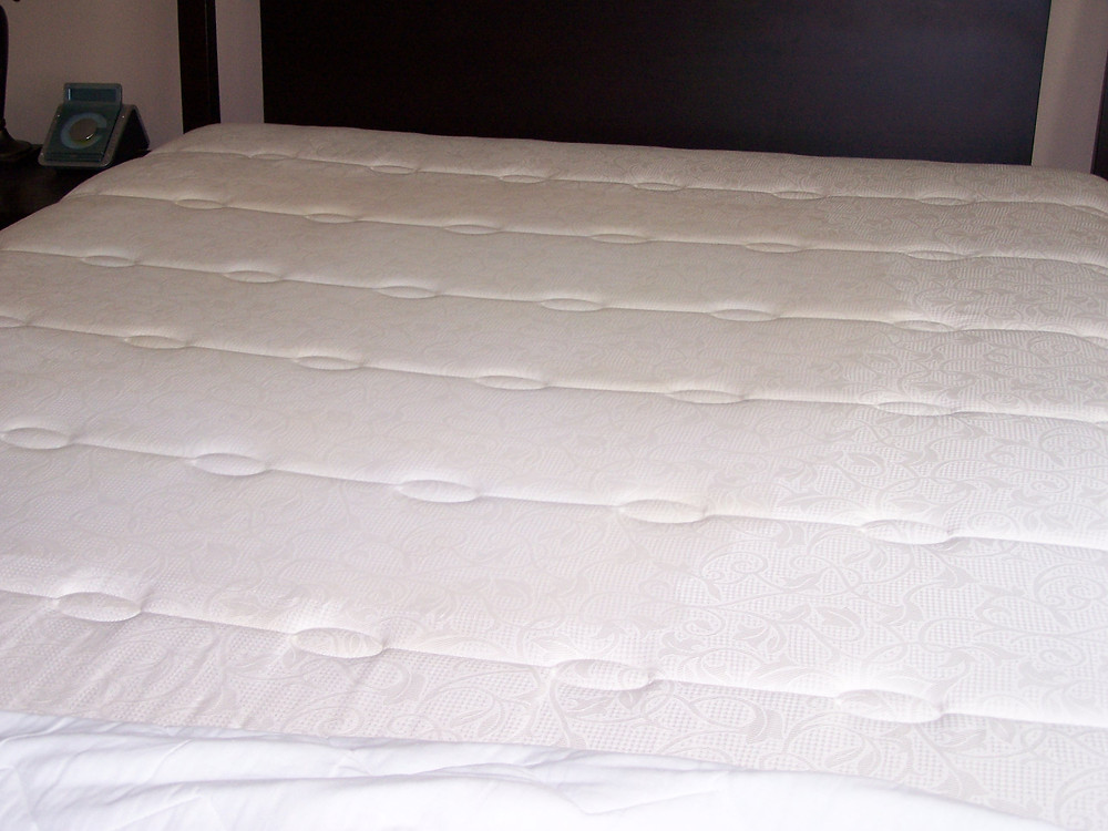 Mattress without urine stain after cleaning.