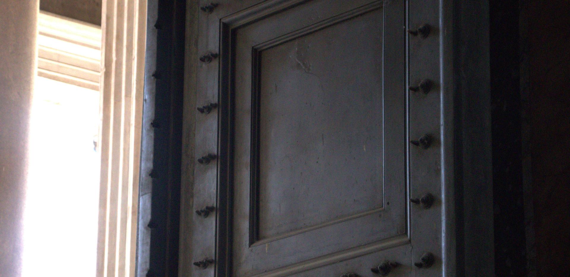 pantheondoor.jpg
