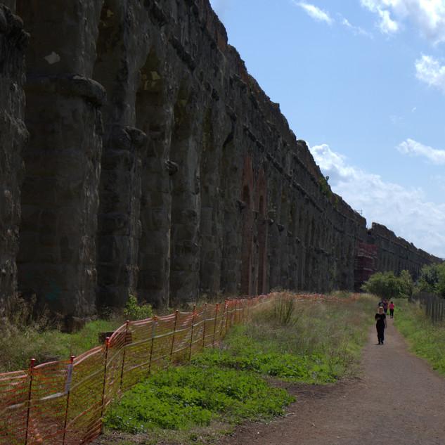 aqueduct2.jpg
