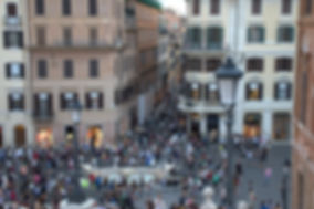 crowdatspanishsteps.jpg