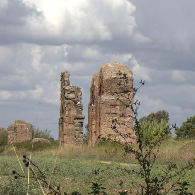 aqueductruins.jpg