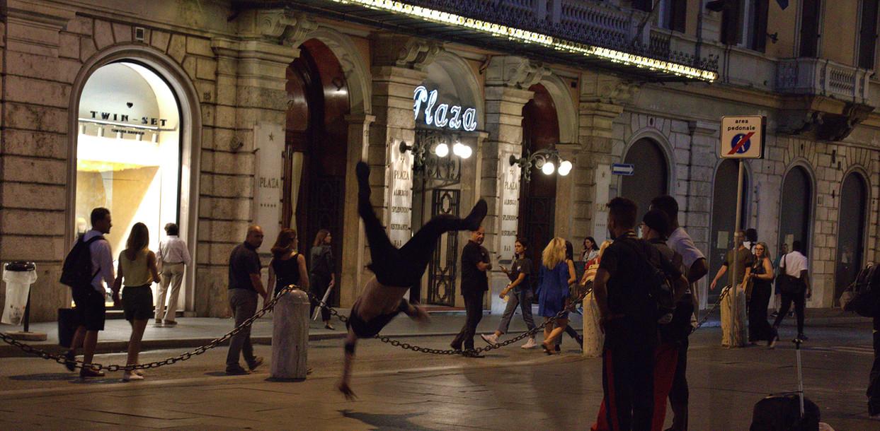 breakdanceratnight.jpg