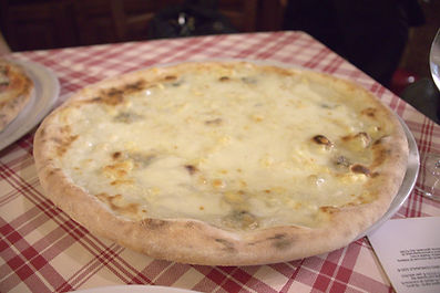 whitepizza.jpg