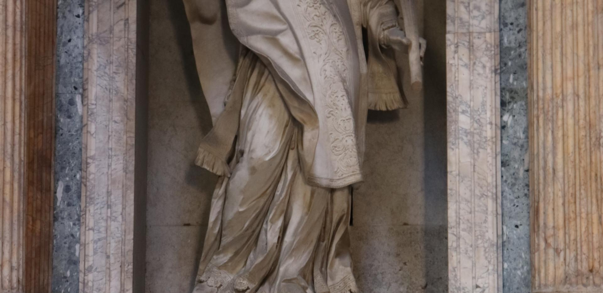 pantheonstatue.JPG