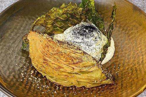Стейк из молодой капусты с сырным муссом и крошкой из фундука