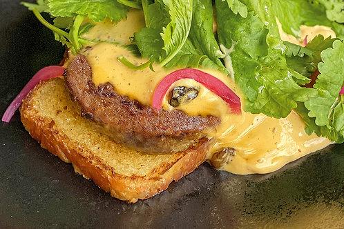 Бифштекс из говядины с соусом ремулад и муссом кимчи