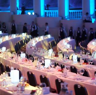Крупное массовое мероприятие в Сочи. Высокое качество обслуживания, широкий ассортимент блюд недорого. Большой опыт организации крупных массовых мероприятий любой сложности.