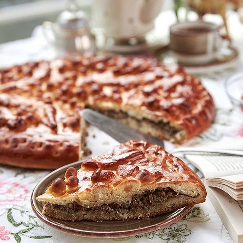 Мясной пирог из рубленой говядины на дрожжевом тесте