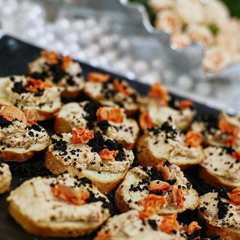 Паштет из баклажанов и белых грибов на гренке
