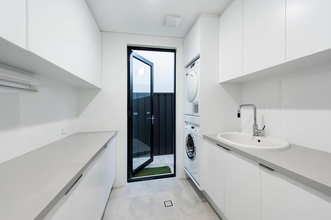 Claremont - Laundry