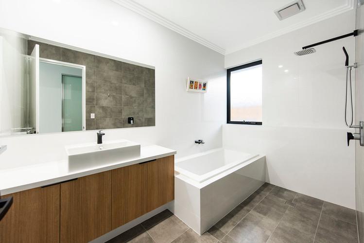 Claremont - Kids Bathroom