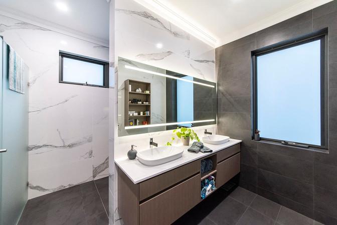 City Beach - Bathroom