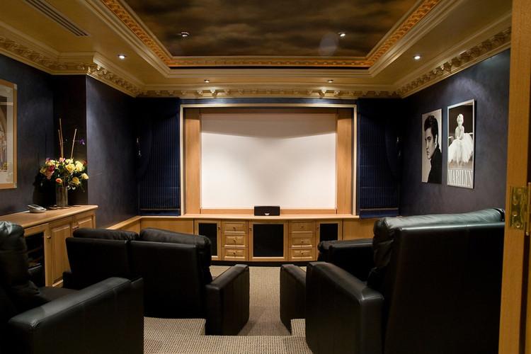 Hillarys - Theatre Room