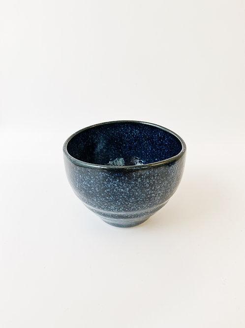 Japan Blue Porcelain Tea Cup。日本藍瓷茶杯