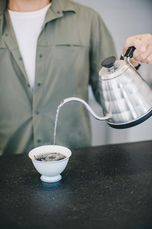 水質和水溫影響茶的質素 Water quality and temperature affect tea taste. 中國茶蓋碗 Chinese Gaiwan.