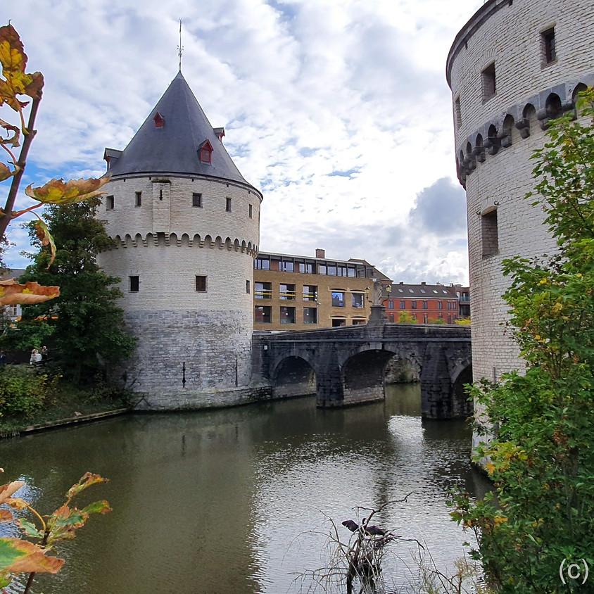 Op ontdekking in Kortrijk. Middeleeuwse kelder en taalrijke torens. Rondleiding met gids (4-5km).