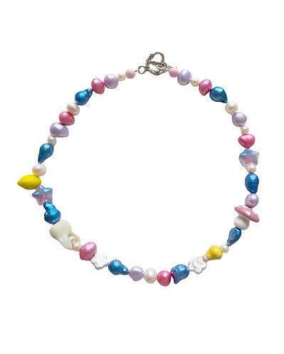 the daphne necklace