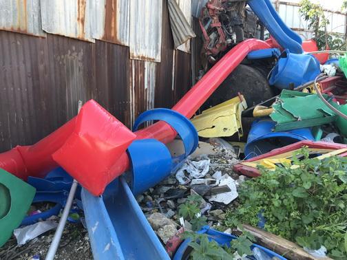 - Red Line in the junk yard 1 - Haifa po