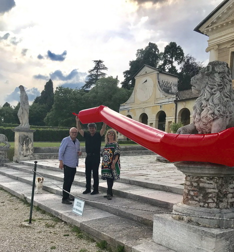 - Visit in Villa Di Maser, re Red Line p