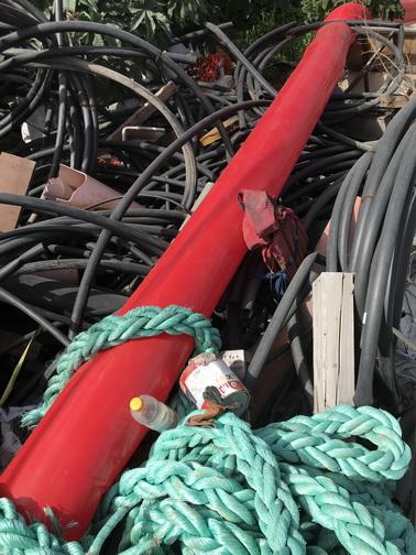 - Red Line in the junk yard 2 - Haifa po
