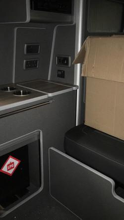 Planar heater, gas box and hob/sink