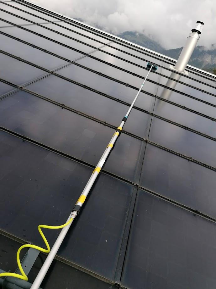 Solarzellen Reinigung.jpg