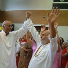 Pujya Rambapa dancing