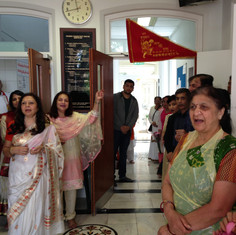 Awaiting Pujya Rambapa's arrival