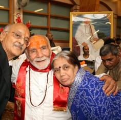 Pujya Rambapa and devotees