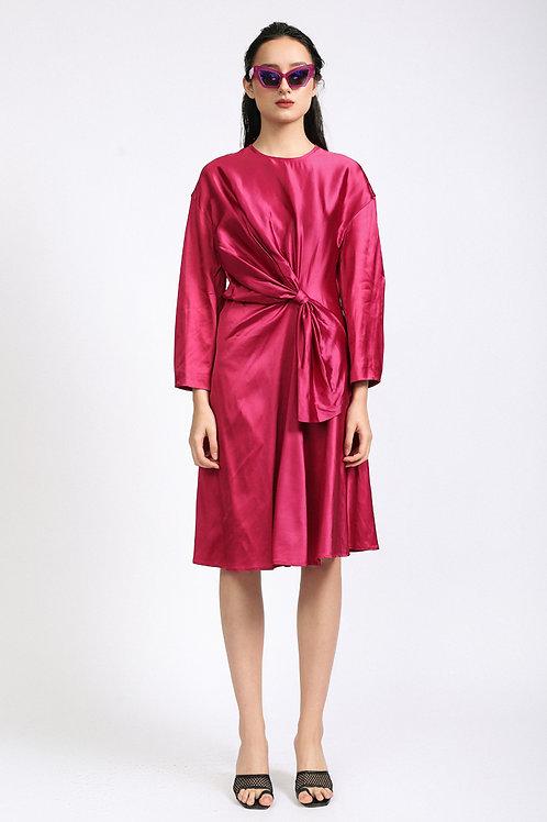 Đầm thắt nơ kiểu 2.020.000 VND