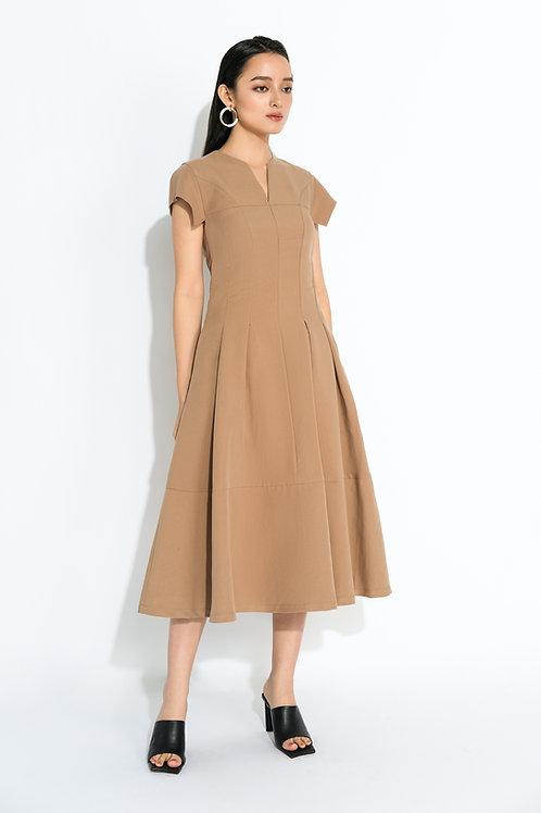 Váy liền thời trang  2.260.000 VND