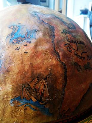 Globe detailing