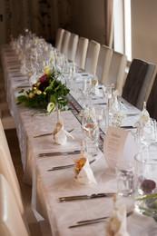 gedeckter Hochzeitstisch