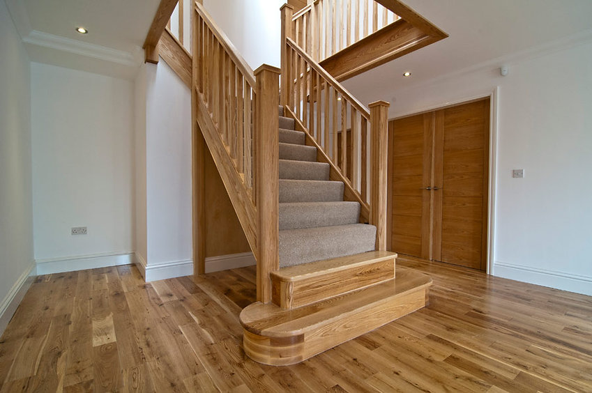 Ash-staircase-with-gallery1.jpg
