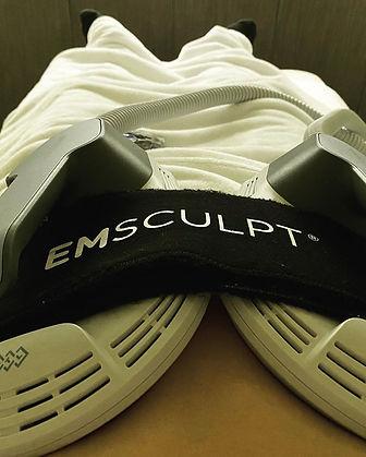 鄭紹康-EmSculpt