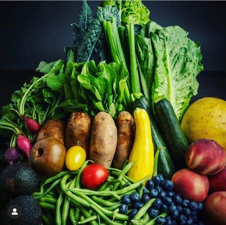 Shop the Bayview Community Market's Farm Box Year Round!