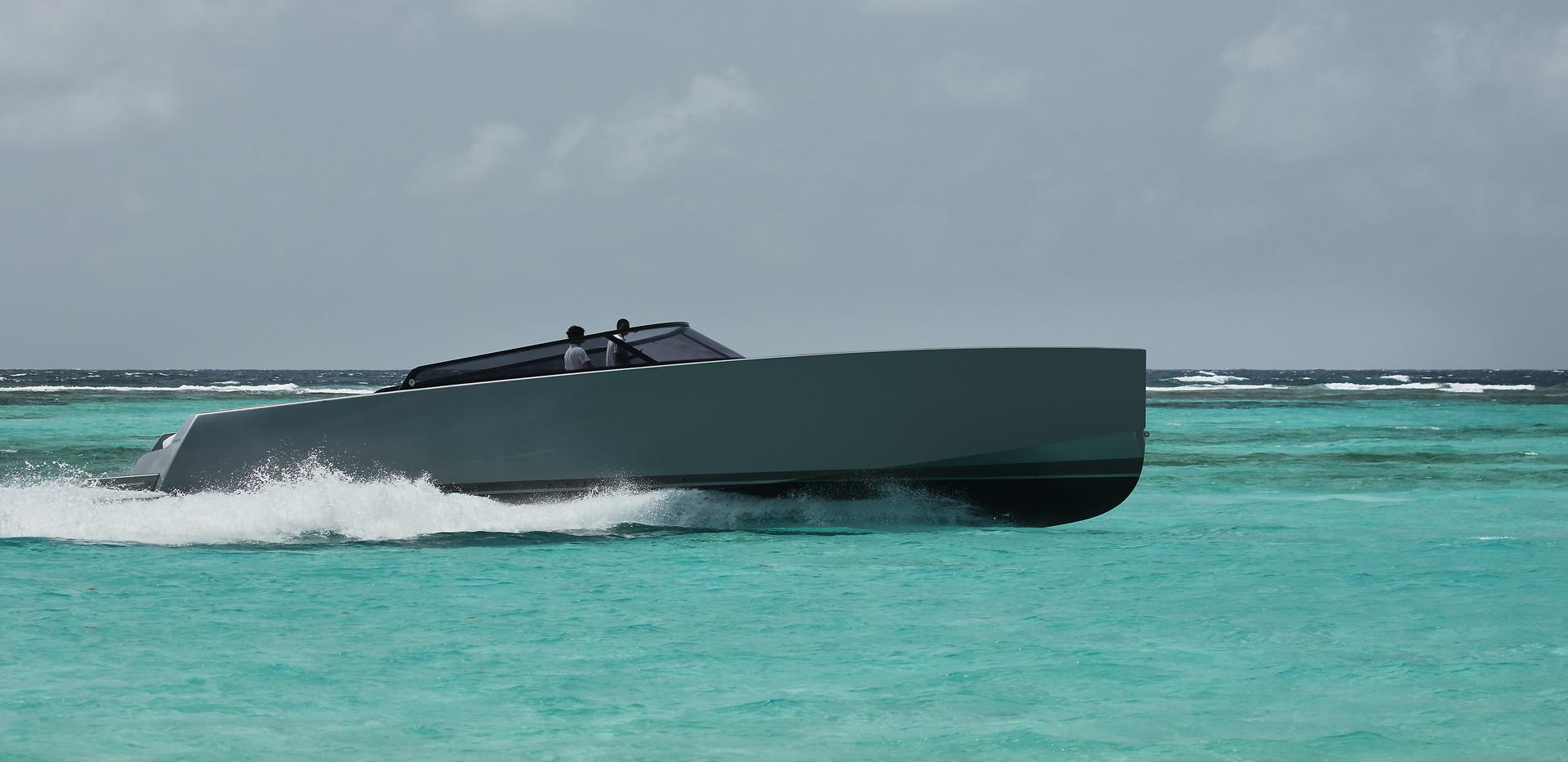 canouan-hotel-leisure-luxury-yacht-02.jp