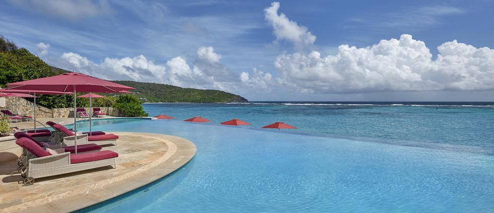 canouan-hotel-infinity-pool-01.jpg