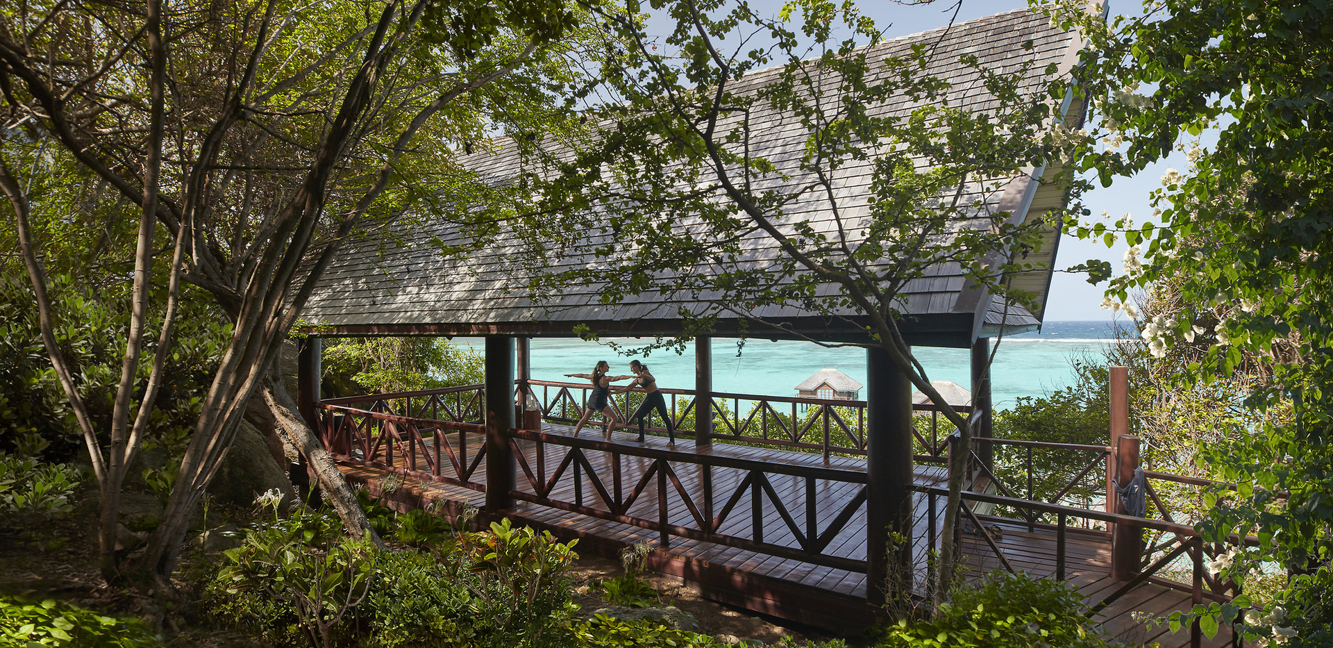 canouan-luxury-spa-yoga-pavilion-01 (1).