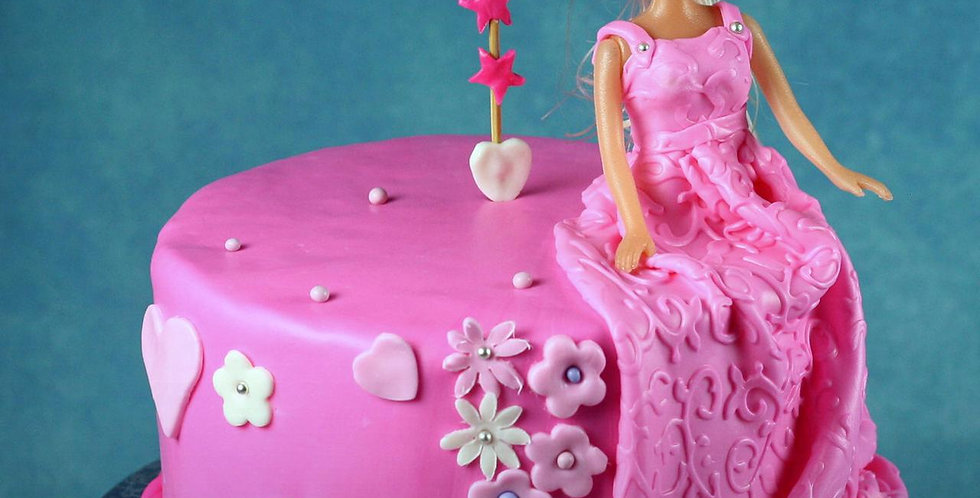birthday girl cake with doll