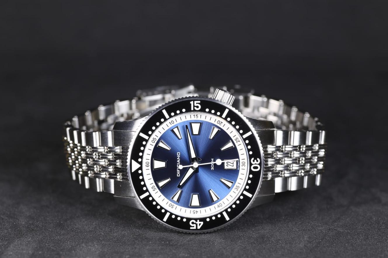 Marlin dark blue sunray dial_BGW lume_si