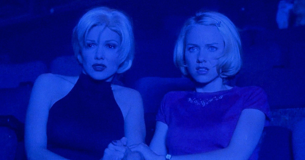 Laura Haring and Naomi Watts in Mulholland Dr. (2001)