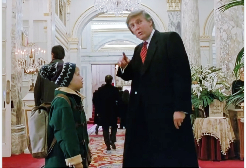 A nude shot of the much-measured Trump hands in Home Alone 2: Lost in New York