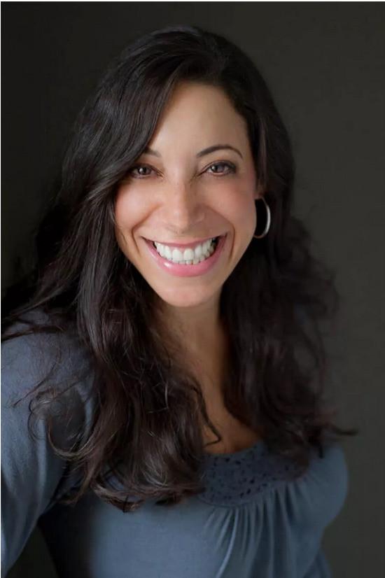 Alyssa Brantley, the founder of EverydayMaven.com