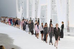 Grife Chanel cria fundo para apoiar artistas e instituições culturais