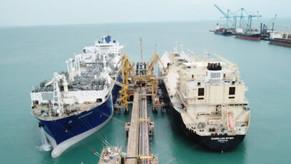 Porto do Pecém busca parceiros para uso do terminal de GNL da Petrobras
