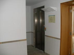 Modernização de elevadores.