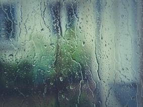 Chuvas vs. infiltrações:  quando reparar os danos causados durante a temporada de chuvas.