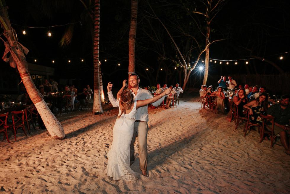 Tulum-Boho_Beach_Wedding-Arlenis-Ruiz-Weddings-035.JPG